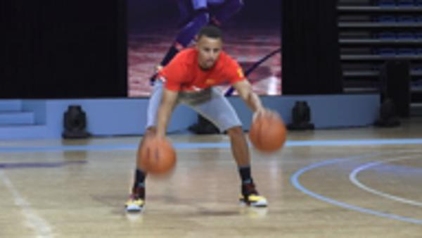 Curry shows off skills in China