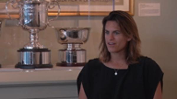 Mauresmo struggles with major-less world number ones