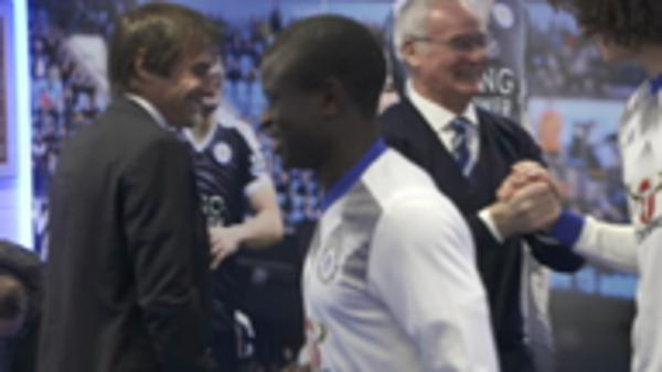 Ranieri greets Kante with headlock