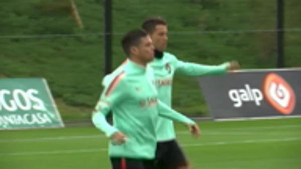 Ronaldo trains with Portugal