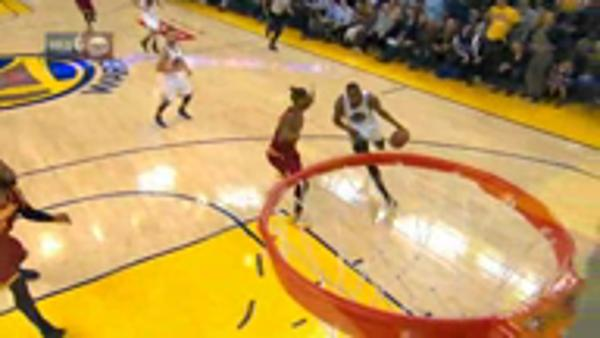Durant dunk downs Cavs